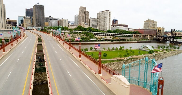 Large city with easy access in St. Paul, MN
